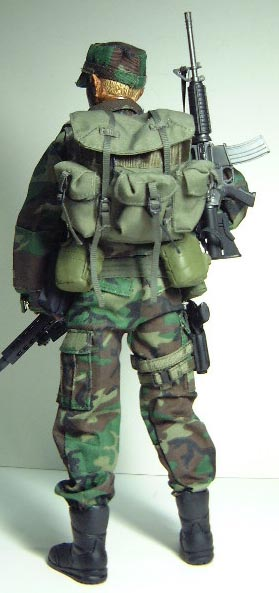 sniperjungle_back.jpg (36590 bytes)